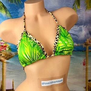 ! Victoria's Secret jungle triangle swim top